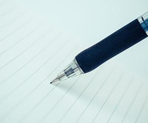 何を書くか迷っているペン
