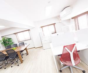 空間が多いオフィス風景
