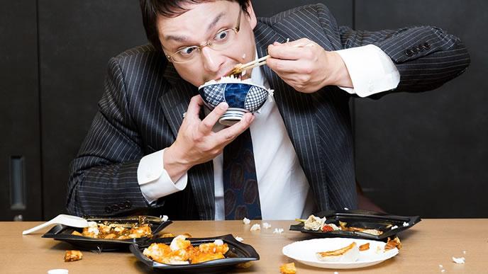 ストレス無く食べる男性