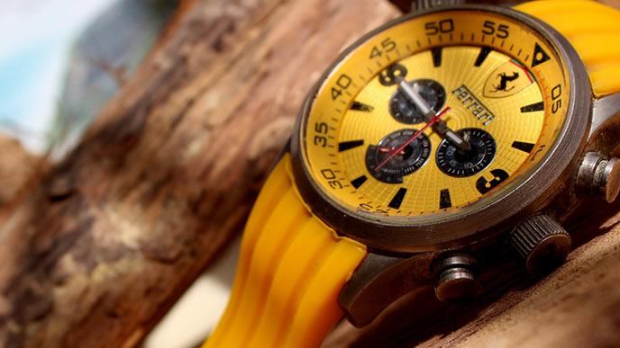 カラフルな腕時計
