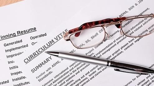 自動車免許の履歴書への書き方は?AT限定やMTの運転免許の正式名称