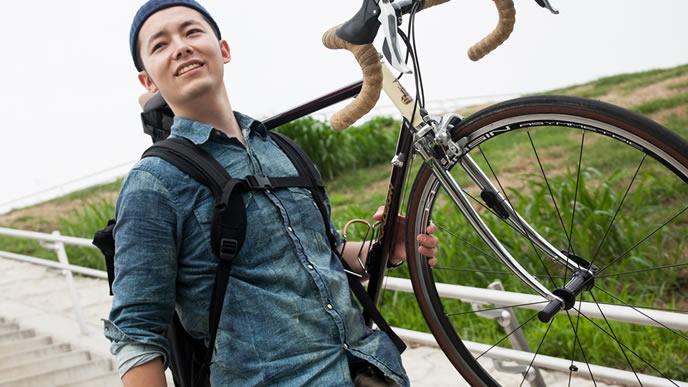 新しくロードバイクを趣味で始めた男性