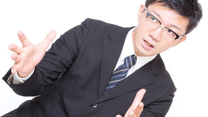 積極的に企業の説明をする人事担当者