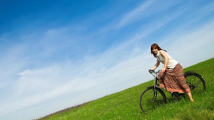 サイクリングが趣味のアウトドアな女性