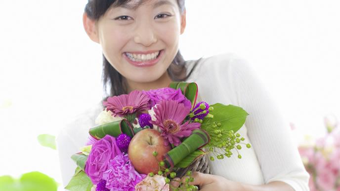 お花屋さんで働くパートの女性