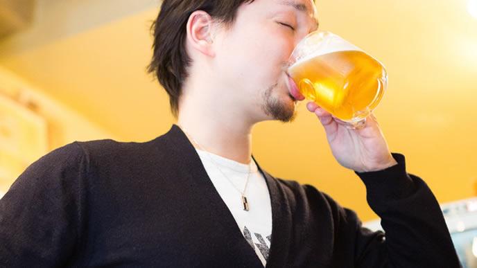 ビールをたらふく飲む副社長