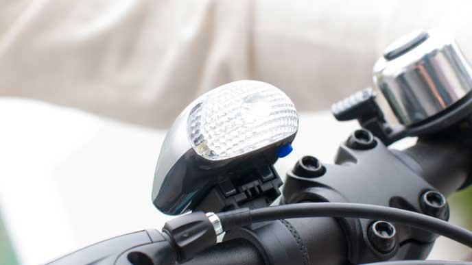 自転車に取り付けられたライト