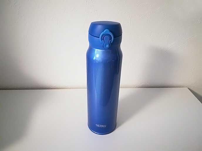 サーモス(THERMOS)の青い水筒