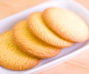 皿の上に並んだクッキー