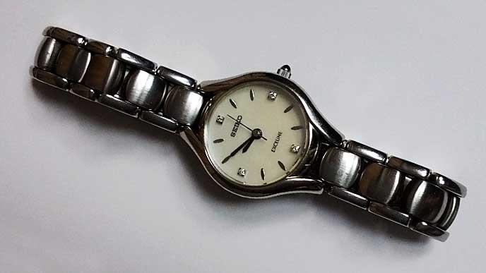 SEIKO 1F21-OALOの腕時計