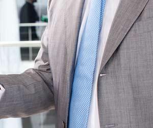 ドット柄のネクタイ