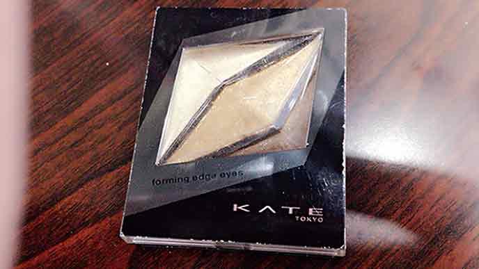 KATEのフォルミングエッジアイシャドウGD-1