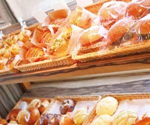 棚に並ぶパン