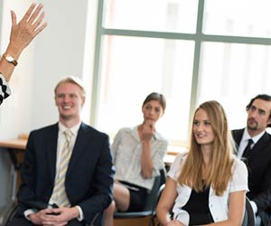 講義を受ける学生