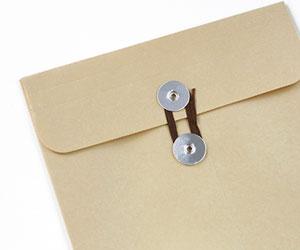封筒に入れて成績証明書の提出
