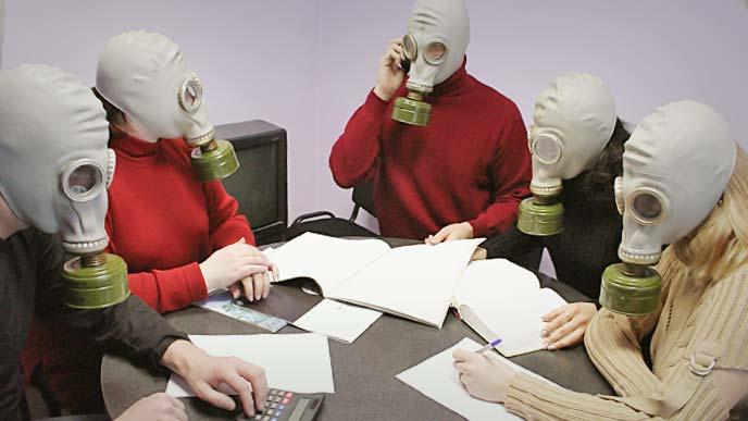 全員マスク着用して会議