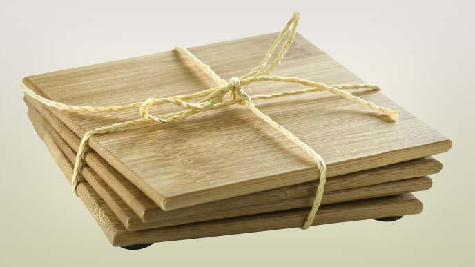 ちょっと変わった木製のコースター