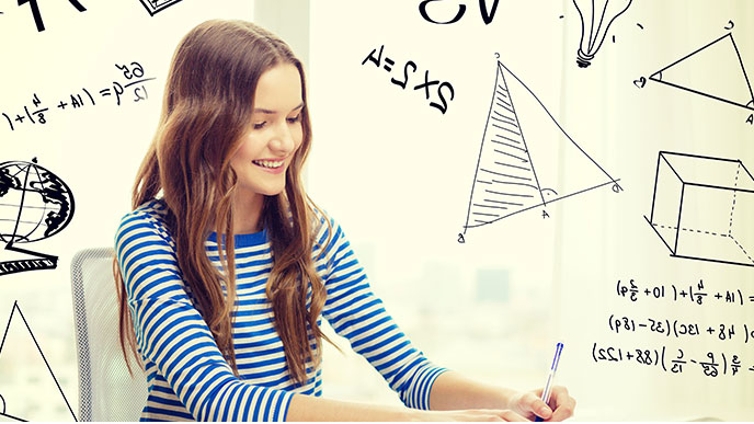 数学の問題を解ける女の人
