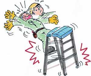 作業台から落ちる作業員
