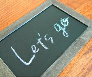 黒板に誘うメッセージ